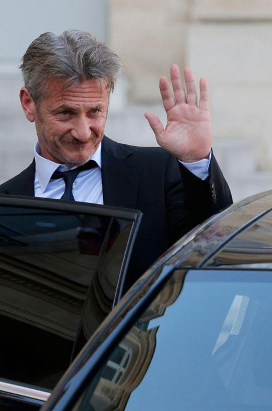 Sean Penn, une star à l'Elysée