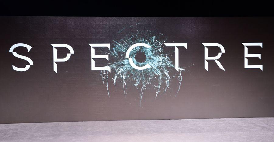 """Le titre du film: """"SPECTRE"""""""