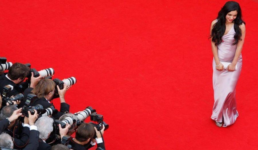 Présente au 6ée Festival de Cannes -notamment pour présenter «Le Roi de l'évasion» d'Alain Guiraudie à la Quinzaine des réalisateurs- la belle Hafsia Herzi a illuminé le tapis rouge.