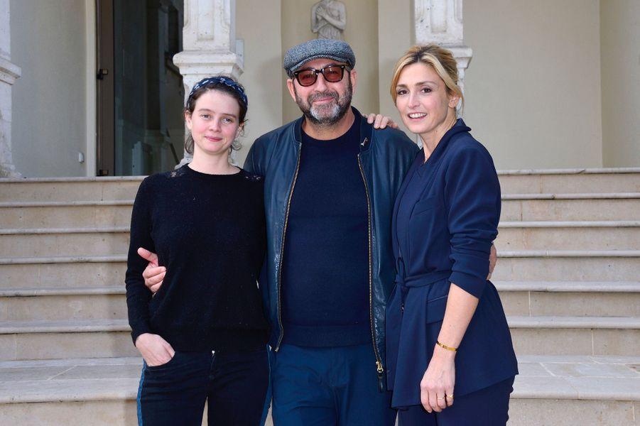 Julie Gayet avec Kad Merad et Pauline Etienne au Festival du film de Sarlat, jeudi 15 novembre