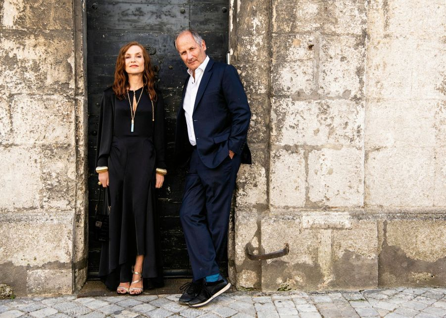 Isabelle Huppert et Hippolyte Girardot pour « La daronne » comédie policière de Jean-Paul Salomé.