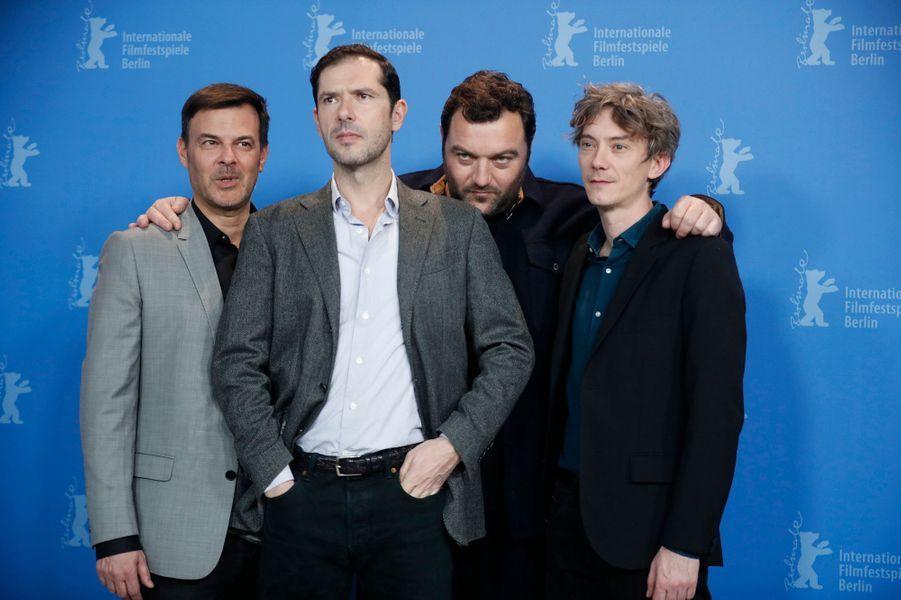 """François Ozon, Melvil Poupaud, Denis Menochet etSwann Arlaudlors de la présentation de """"Grâce à Dieu"""" au Festival de Berlin."""