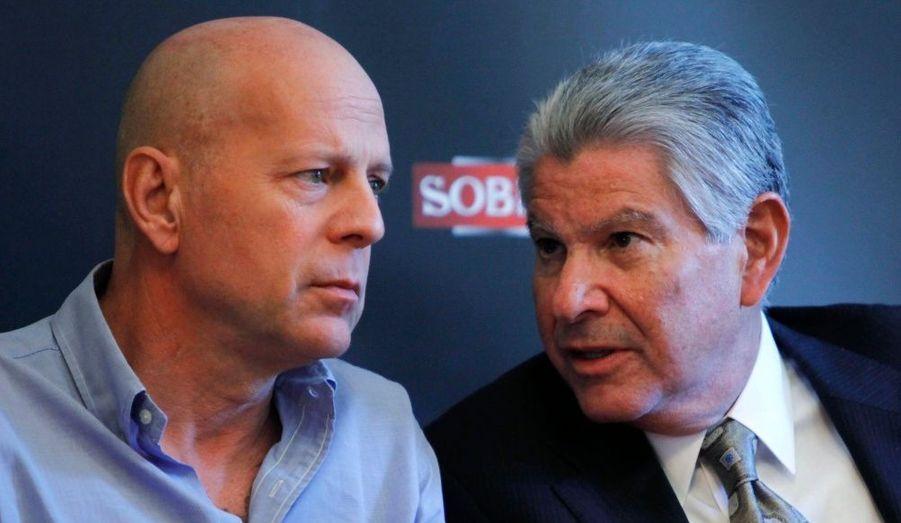Bruce Willis est l'ambassadeur de la vodka Sobieski. Cette semaine à Paris, l'acteur faisait d'ailleurs la promotion du cocktail qu'il a créé pour la célèbre marque polonaise.
