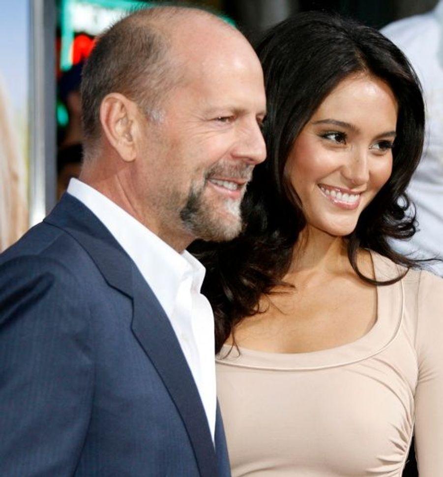 Depuis 2009, Bruce Willis est marié à Emma Heming, un mannequin de 23 ans sa cadette.