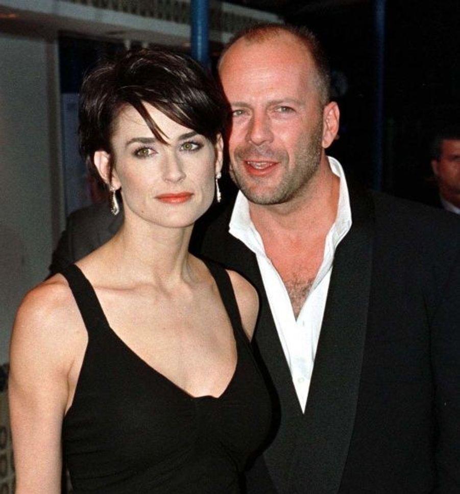 Marié pendant 13 ans à Demi Moore, le couple s'est séparé en 2000. Avec l'actrice, Bruce Willis a eu trois filles : Rumer Glenn (1988), Scout LaRue (1991) et Tallulah Belle (1994).