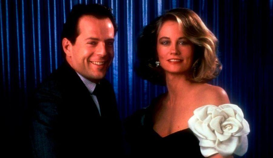 Après quelques petites apparitions (dans le film Le Verdict ou encore Boire et Déboires), Bruce Willis sort définitivement de l'anonymat en 1986 avec son rôle dans la série télévisée Clair de lune.
