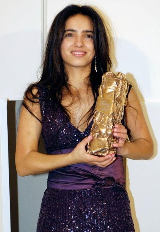 Quelques mois après le prix Marcello Mastroiani de la meilleure jeune actrice, Hafsia Herzi reçoit le César de la révélation féminine de l'année, le tout à 20 ans.