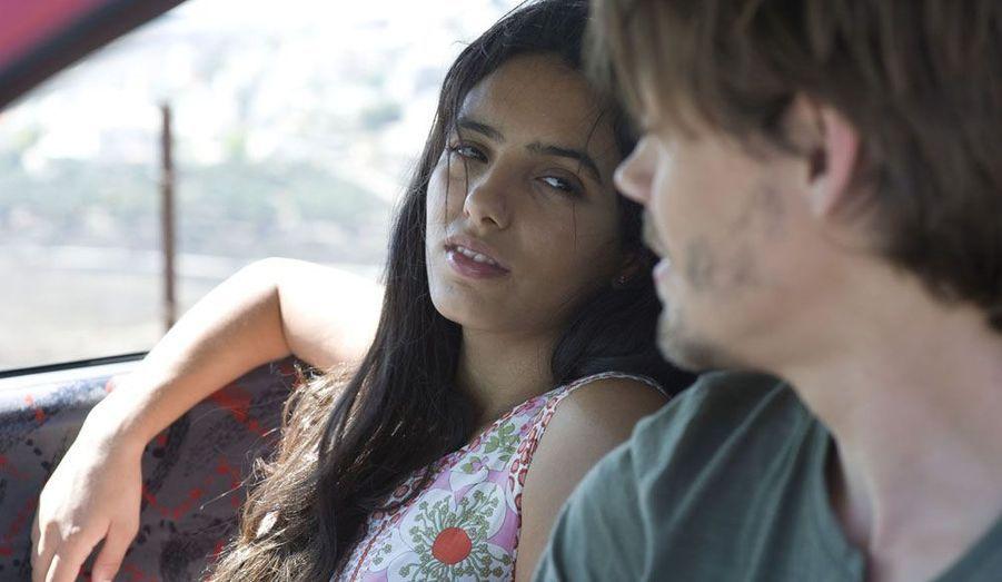 Dans le premier film de l'actrice Hiam Abbass, Hafsia Herzi incarne une jeune femme amoureuse d'un étranger contre la volonté de sa famille.