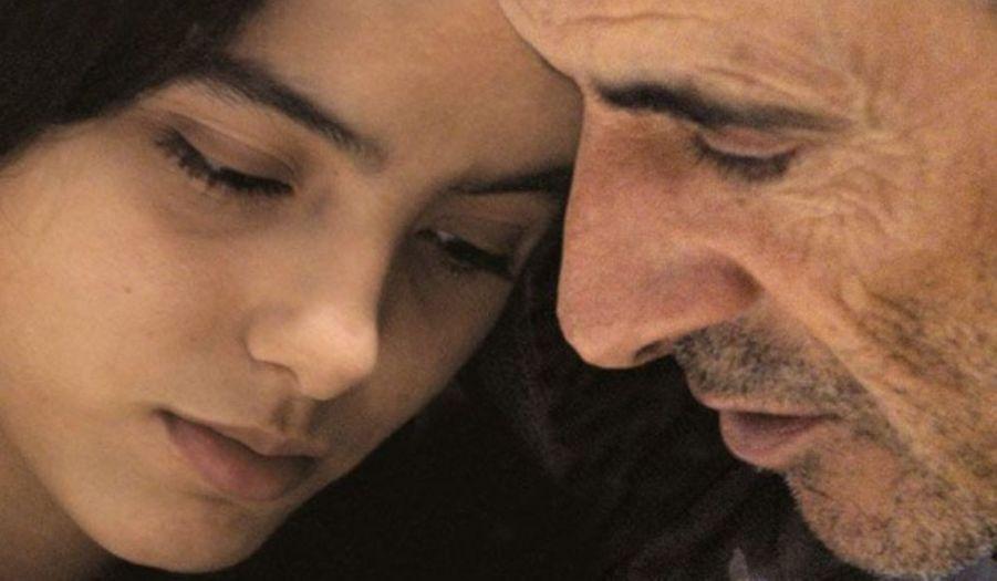 Au cinéma, son coup d'essai est un coup de maître. Dans La Graine et le Mulet, sorti en 2007, l'actrice qui n'a pas encore 20 ans, crève l'écran. En 2010, le film est élu par Les Cahiers du Cinéma meilleur film français de la décennie.