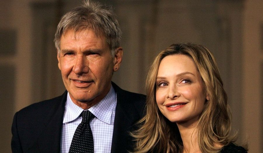 Harrison Ford est en couple avec Calista Flockhart, alias Ally McBeal, depuis 2002. Ils se sont mariés en juin dernier. Il s'agit de la troisième union de l'acteur.