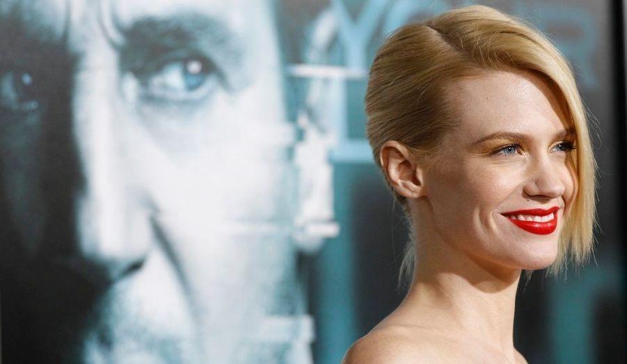 January Jones a partagé l'affiche en début d'année 2011 avec Liam Neeson et Diane Kruger dans le film Sans identité. Un thriller haletant où un homme est à la recherche de son passé et de sa femme, interprétée par January Jones.Sur la photo:January Jones pose lors de l'avant-première du film à Los Angeles.
