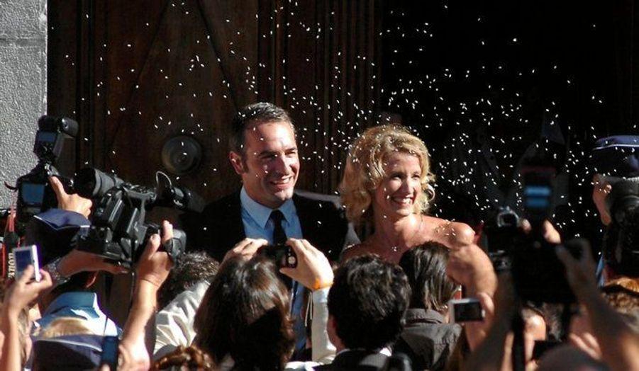 Jean Dujardin et Alexandra Lamy se sont mariés à Anduze, Gard le 25 juillet 2009 après 6 ans de vie commune.