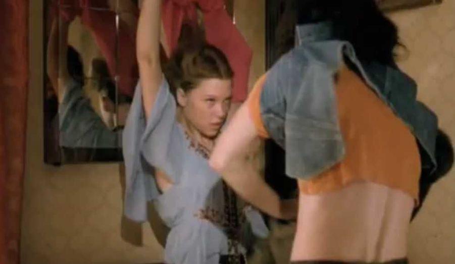 Visage poupon sur un corps de bombe sexuelle, elle plaît d'abord à la publicité, notamment pour le Levi's 501.