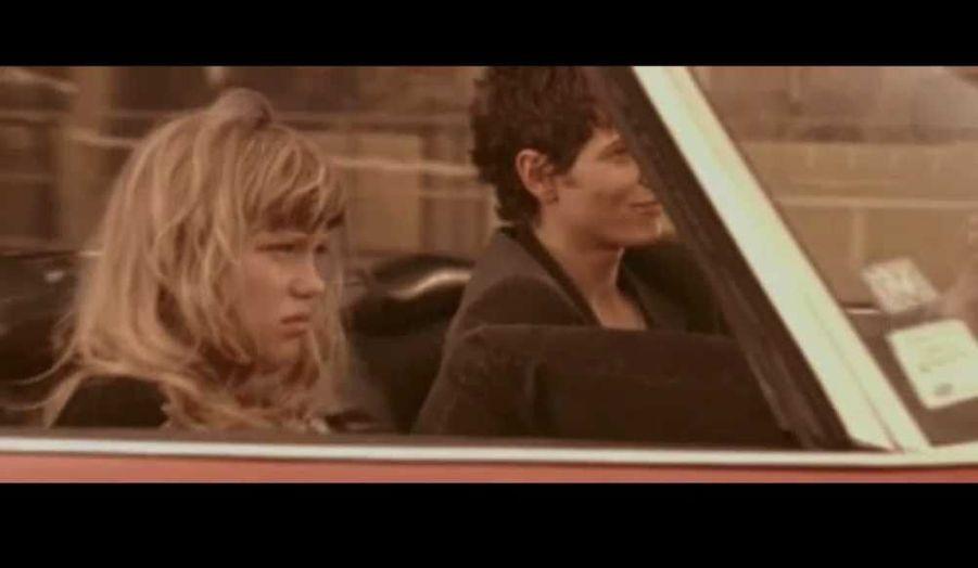 En 2005, elle apparaît dans le clip Ne partons pas fâchés de Raphaël -le compagnon de Mélanie Thierry- réalisé par Olivier Dahan.