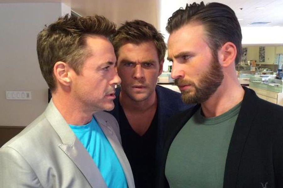 """Photo postée par Robert sur les réseaux sociaux avec ses camarades d'""""Avengers"""", avril 2015"""