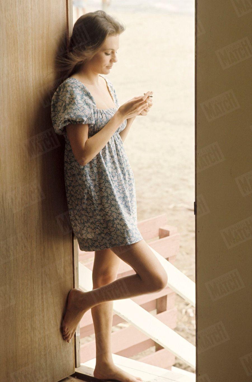 Jacqueline Bisset chez elle, en Californie, lors de son premier rendez-vous avec Paris Match en 1968.