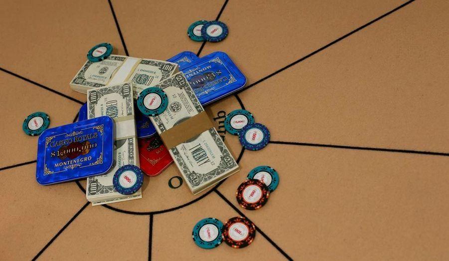 """Ces jetons joués auOne and Only Ocean Club dans """"Casino Royale"""" coûtent chers : entre 3500 et 5800 euros."""