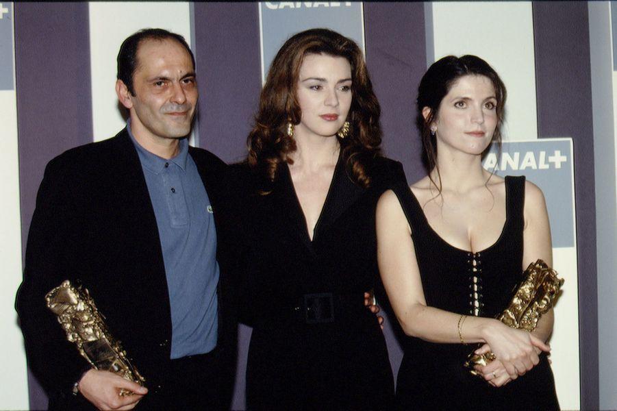 Agnès Jaoui et Jean-Pierre Bacri sur la scène des César en 1994.