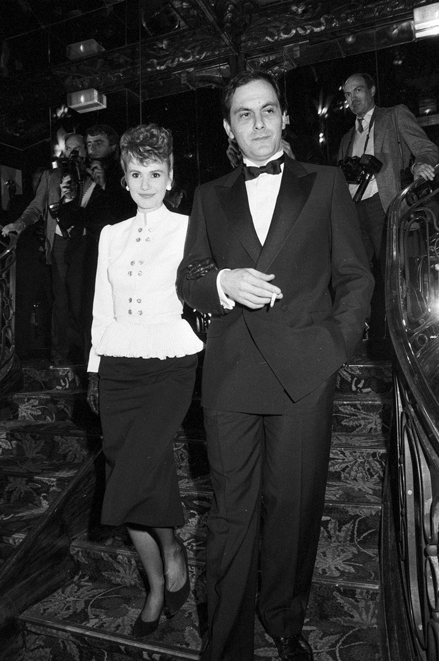 Miou-Miou et Jean-Pierre Bacri à la première du film «Coup de Foudre» à Paris, France, le 5 avril 1983.