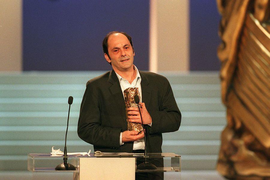 Jean-Pierre Bacri reçoit le César du meilleur acteur dans un second rôle pour «On connait la chanson» en 1998.