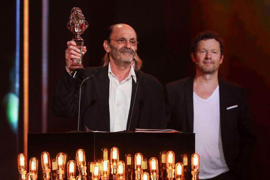 Jean-Pierre Bacri reçoit le Moliere du meilleur comedien d'un spectacle privé pour la piece «Les Femmes savantes» en 2017.