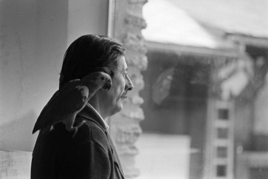 En février 1978, l'acteur français Jean Rochefort, chez lui à Grosrouvre dans les Yvelines.