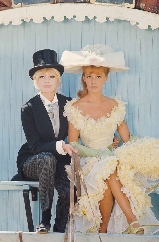"""Avec Brigitte Bardot, sur le tournage de """"Viva Maria"""" de Louis Malle."""