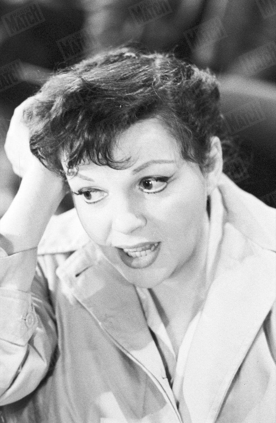 Judy Garland, lors des répétitions au Palais de Chaillot en octobre 1960.