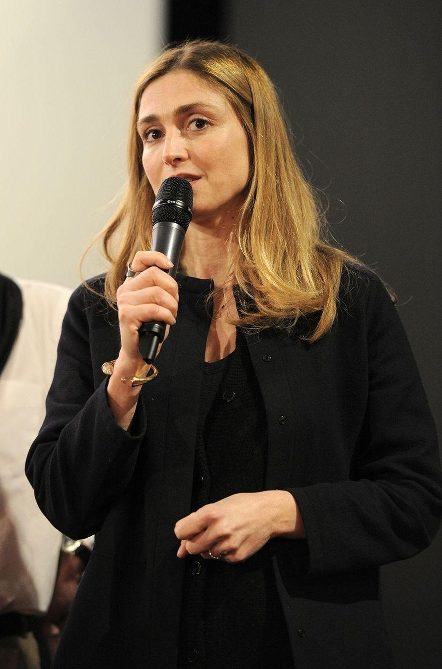 Julie Gayet à Compiègne le 12 mars 2016
