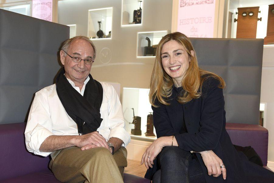 Le docteur Gilles Dauptain et Julie Gayet à Compiègne le 12 mars 2016
