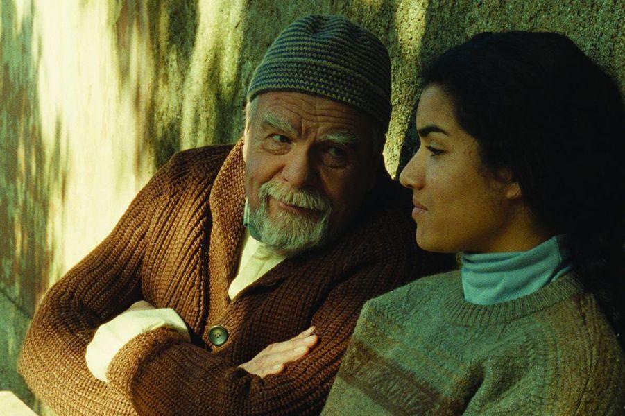 """Michael Lonsdale et Sabrina Ouazani dans """"Des hommes et des dieux"""" de Xavier Beauvois."""