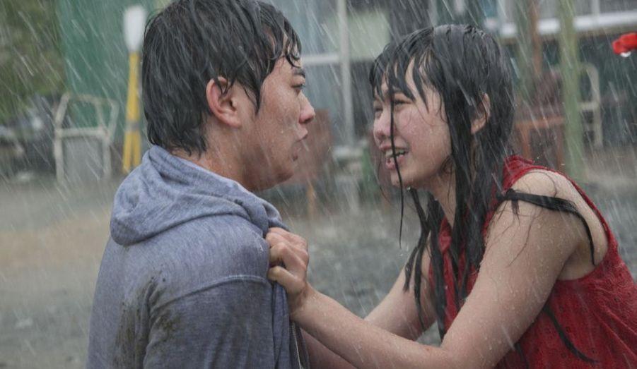 Un autre film remarqué au dernier Festival de Venise, de l'enfant terrible du cinéma japonais contemporain. A découvrir d'urgence.