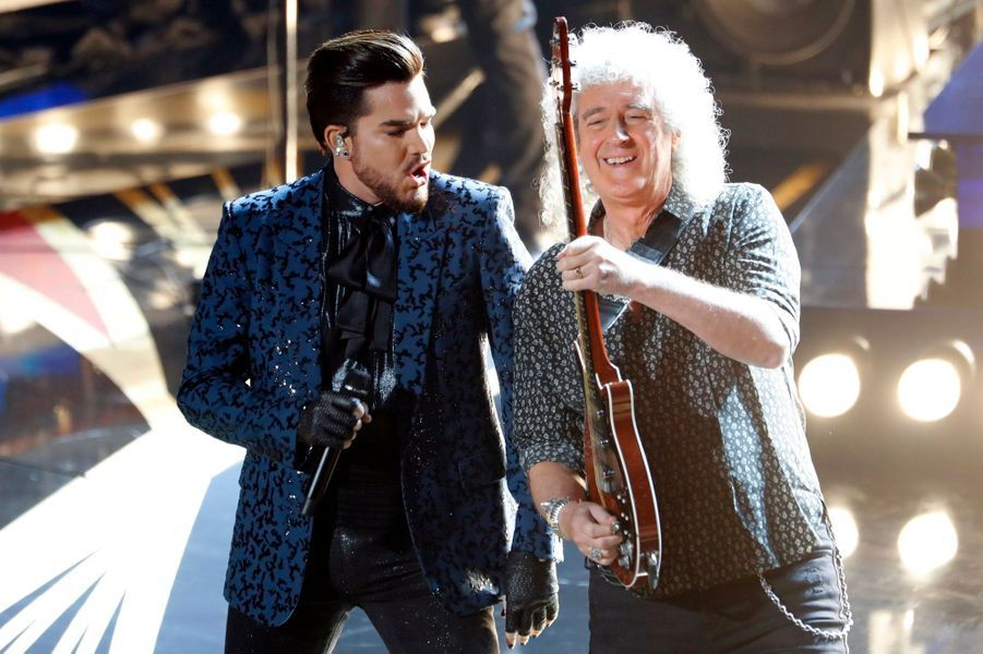 Brian May et Adam Lambert pour le Medley de Queen.
