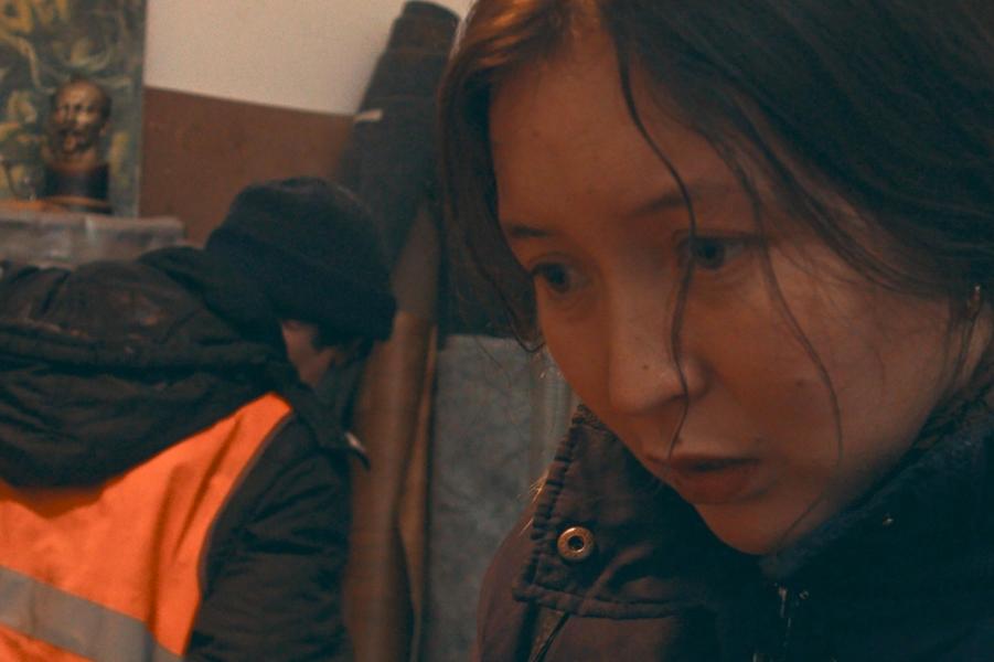 «Ayka» de Sergey Dvortsevoy Le synopsis :Ayka vient d'accoucher. Elle ne peut pas se permettre d'avoir un enfant. Elle n'a pas de travail, trop de dettes à rembourser, même pas une chambre à elle.Mais c'est compter sans la nature, qui reprendra ses droits.