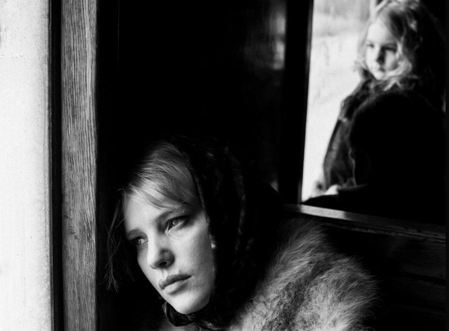 «Cold War» de Pawel PawlikowskiLe synopsis :Pendant la guerre froide, entre la Pologne stalinienne et le Paris bohème des années 1950, un musicien épris de liberté et une jeune chanteuse passionnée vivent un amour impossible dans une époque impossible.