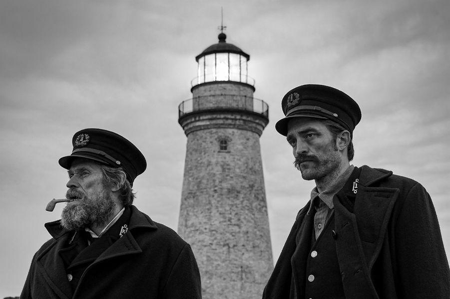 """""""The Lighthouse"""" de Robert EggersLe synopsis : le récit hypnotique et hallucinant de deux gardiens de phare sur une île reculée et mystérieuse de la Nouvelle-Angleterre dans les années 1890."""