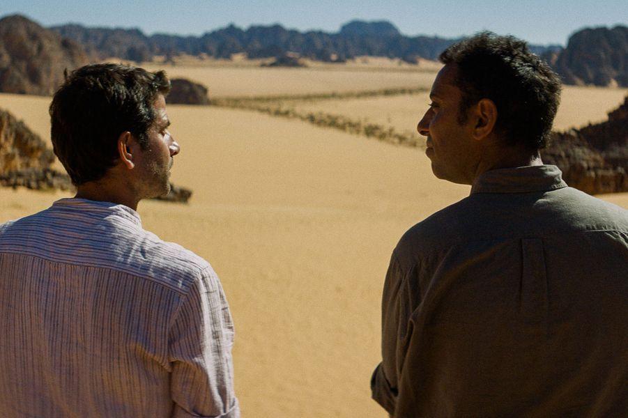 """""""Abou Leila"""" d'Amin Sidi-BoumédièneLe synopsis :Algérie, 1994. S. et Lotfi, deux amis d'enfance, traversent le désert à la recherche d'Abou Leila, un dangereux terroriste. La poursuite semble absurde, le Sahara n'ayant pas encore été touché par la vague d'attentats. Mais S., dont la santé mentale est vacillante, est convaincu d'y trouver Abou Leila. Lotfi, lui, n'a qu'une idée en tête : éloigner S. de la capitale. Pourtant, c'est en s'enfonçant dans le désert qu'ils vont se confronter à leur propre violence."""