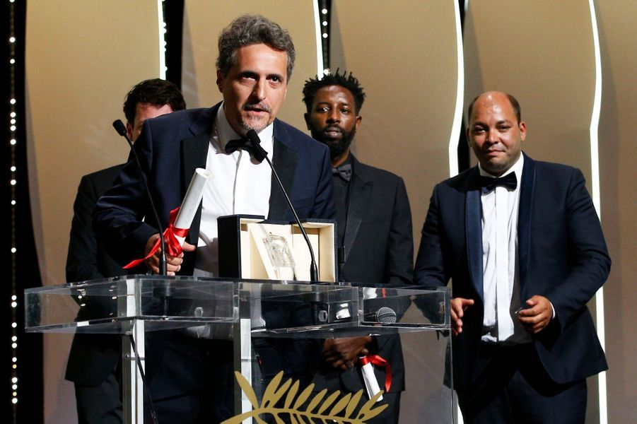 Kleber Mendonça Filho, prix du jury pour «Bacurau» avec Juliano Dornelles.