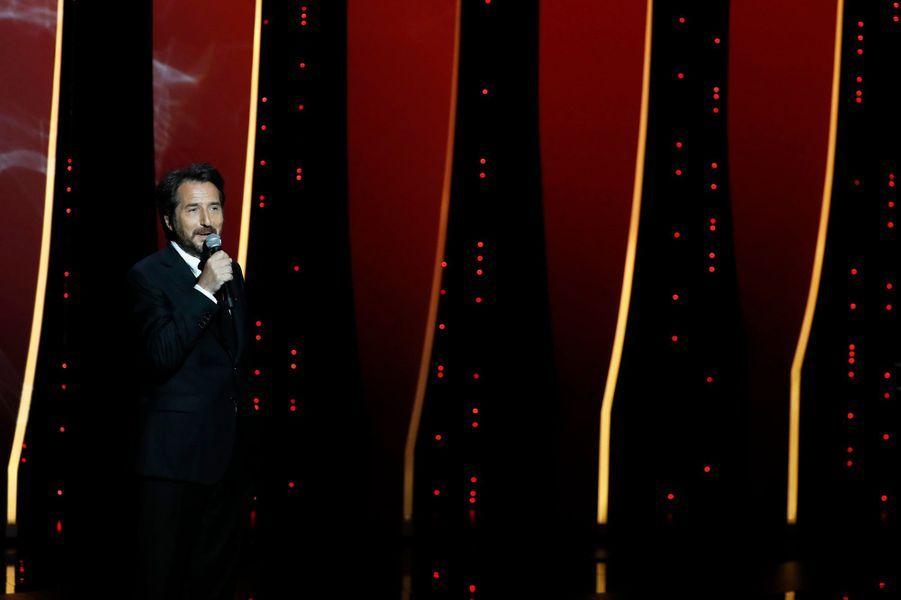 14 mai - la cérémonie d'ouvertureMaître de la cérémonie, Edouard Baer sera assisté de Charlotte Gainsbourg et Javier Bardem pour donner le coup d'envoi du 72e Festival de Cannes. En ouverture sera projeté «The Dead Don't Die» de Jim Jarmusch avec Bill Murray, Tilda Swinton et Adam Driver.