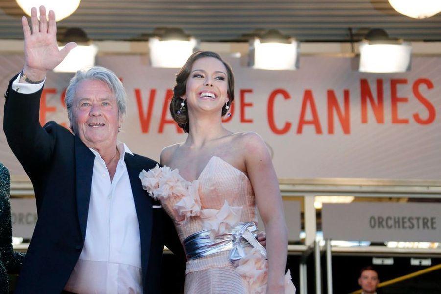 19 mai - une Palme d'or pour «Le Samouraï»Un monstre sacré du septième art sera honoré à l'occasion du 72e Festival de Cannes : l'acteur français Alain Delon se verra décerner une Palme d'or d'honneur le dimanche 18 mai. Il donnera une masterclass exceptionnel le même jour, à 11h, avant la cérémonie à 19h et la projection de «Monsieur Klein» de Joseph Losey.