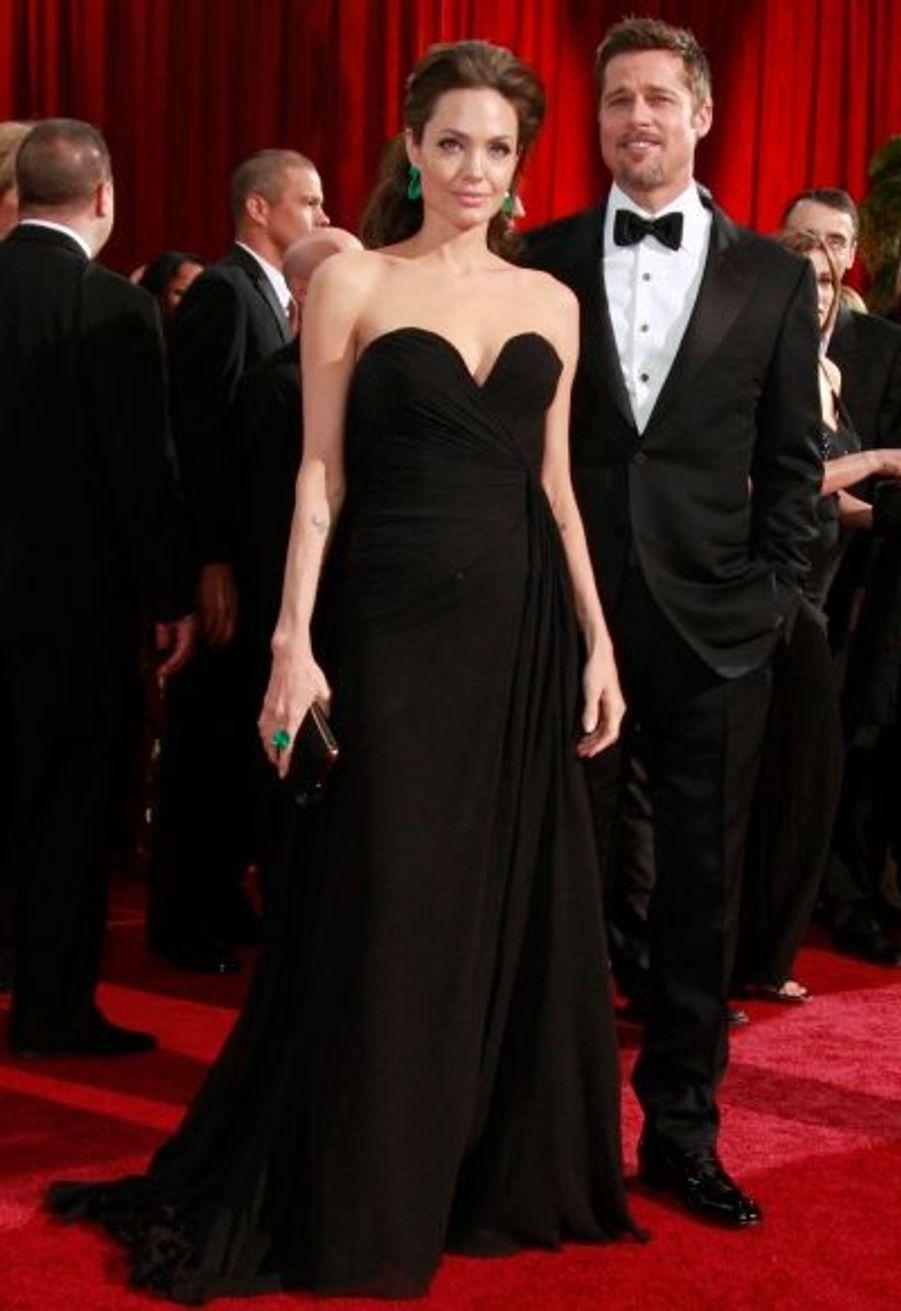 Brad Pitt, qui concourrait dans la catégorie Meilleur acteur, est reparti sans Oscar puisque Sean Penn lui a été préféré. Mais la couple a néanmoins fait sensation sur le tapis rouge.