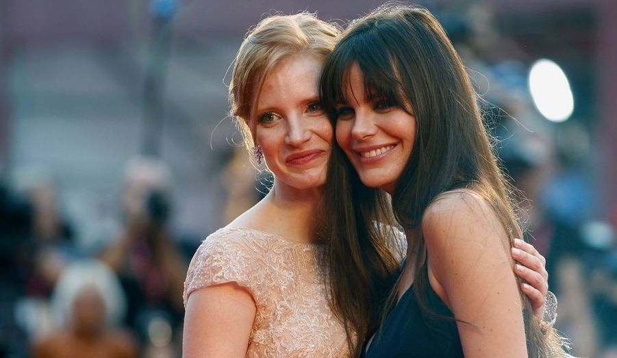 Le rôle-titre du film a été confié à Jessica Chastain, jeune actrice que l'on a récemment pu voir dans «The Tree of Life» de Terrence Malick, Palme d'or à Cannes. Mais «Wilde Salome» a été tourné avant. Elle pose ici en compagnie de Lucila Sola.