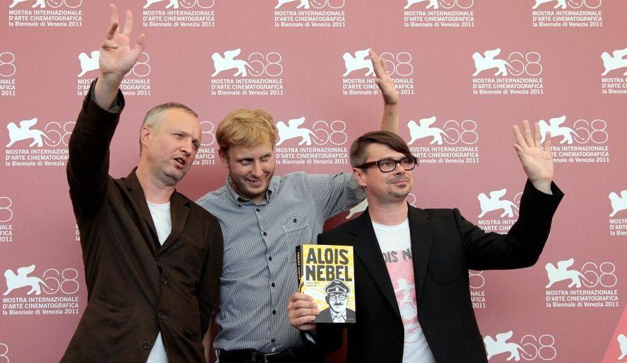 Le réalisateur de «Shame» Tomas Lunak pose en compagnie des deux scénaristes du film.