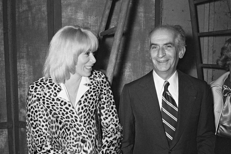 Louis de Funès avec Mireille Darc en 1964.