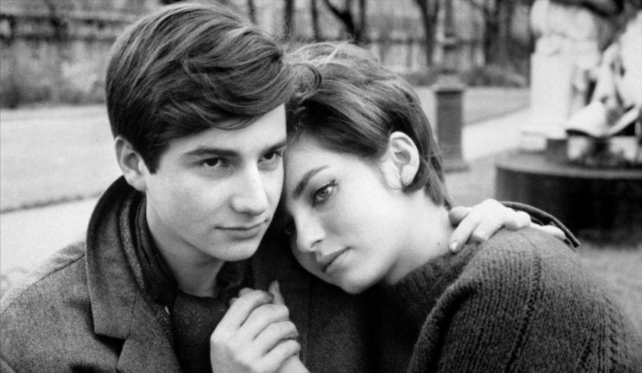 """L'actrice et réalisatrice française, Marie-France Pisier, est décédée à l'âge de 66 ans, annonce i>Télé. Icône de la Nouvelle Vague - elle a notamment joué dans """"L'Amour en fuite"""" de François Truffaut qu'elle avait également co-écrit. La comédienne avait obtenu deux César de la meilleure actrice dans un second rôle, pour """"Cousin, cousine"""" et """"Barocco""""."""