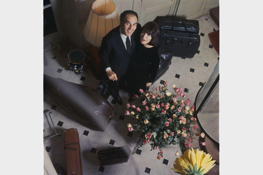 Michel Piccoli et sa femme Juliette Gréco, en décembre 1966.