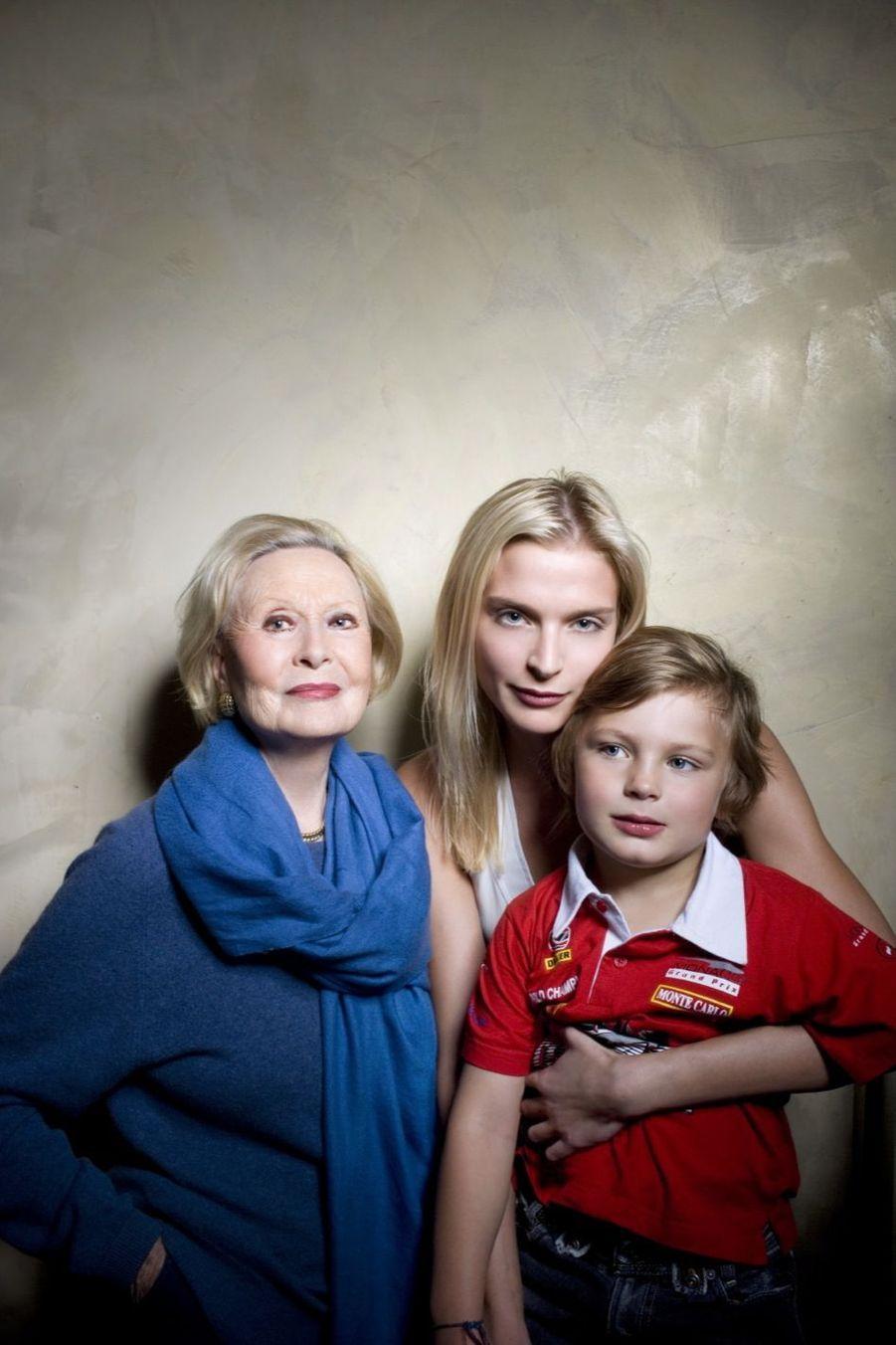 Michèle Morgan, sa petite-fille Sarah et son fils Zoltan Anthony.