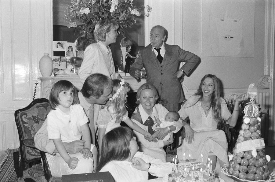 Tout le clan de Michèle Morgan réuni pour les 12 ans de sa petite-fille, Samantha.