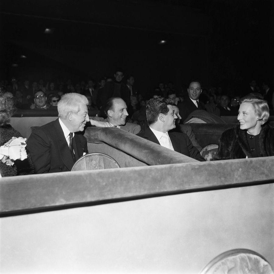 Michèle Morgan et son ami fidèle Jean Gabin pour les 25 ans de cinéma de l'acteur.