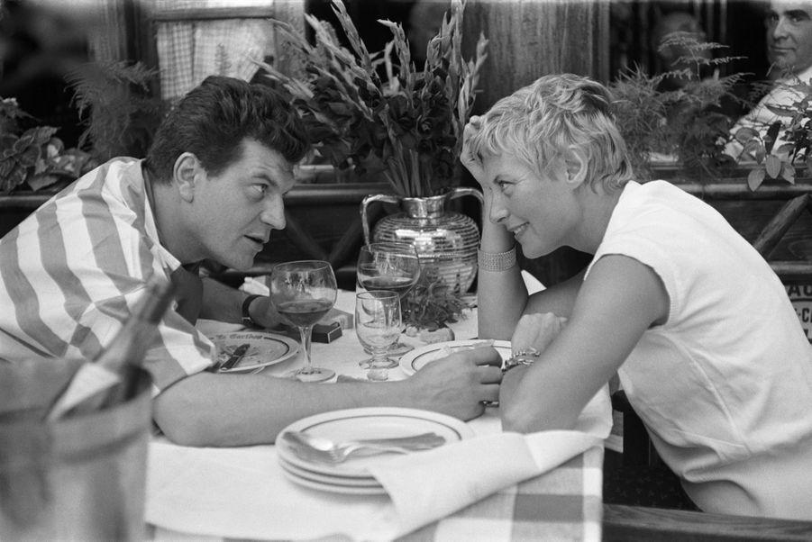 Michèle Morgan et Henri Vidal sur le tournage du «Port du désir».